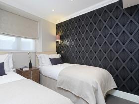501 Ashburn Suite- bedroom2.jpg