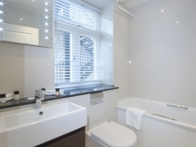 401 - two bedroom - Deluxe - Bathroom 1.jpg
